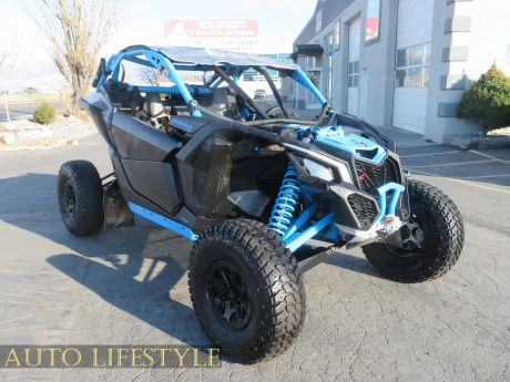 Picture of 2019 Can-Am MAVERICK X3 X RC TURBO R