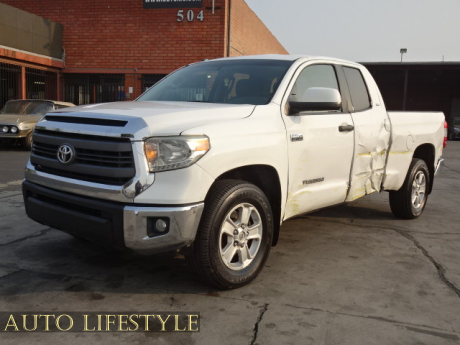 Picture of 2014 Toyota Tundra