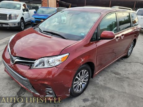 Picture of 2020 Toyota Sienna