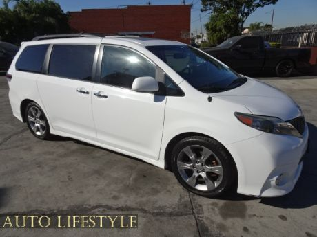 Picture of 2014 Toyota Sienna