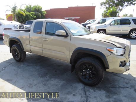 Picture of 2020 Toyota Tacoma 4WD