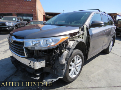Picture of 2016 Toyota Highlander