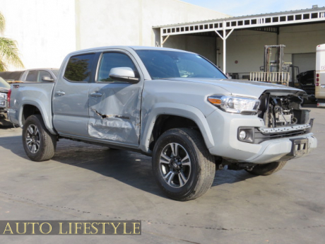 Picture of 2019 Toyota Tacoma