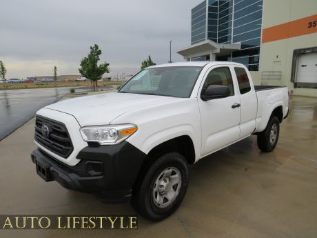 Picture of 2019 Toyota Tacoma 4WD