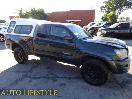 Picture of 2011 Toyota Tacoma